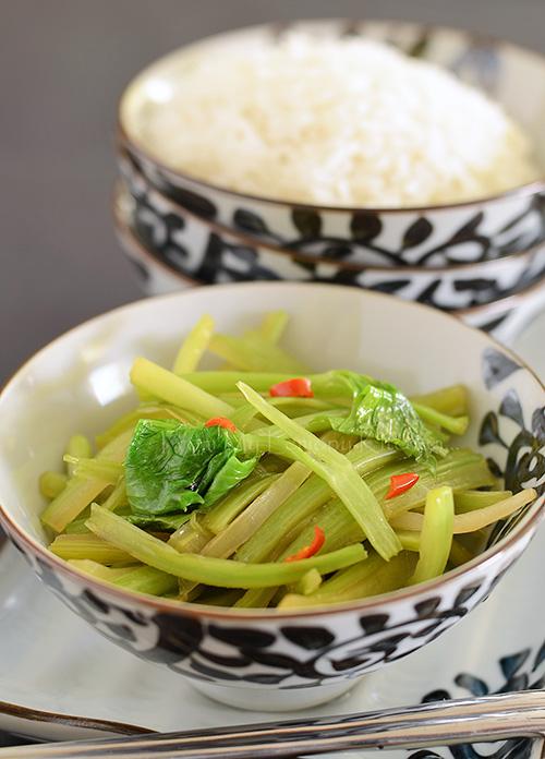 Spicy Celery Stir-fry