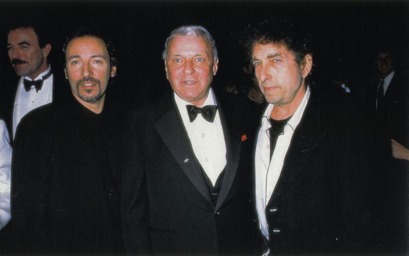 https://lh6.googleusercontent.com/-RxfJqjkSt6A/TW_PK2j3_YI/AAAAAAAAB1A/RbFAX9yv6aw/s1600/951119_Selleck_Bruce_Sinatra_Bob%255B1%255D.jpg