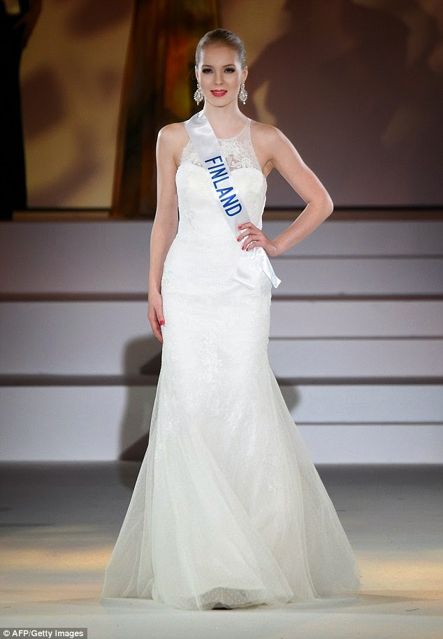 miss puerto rico valerie white gown