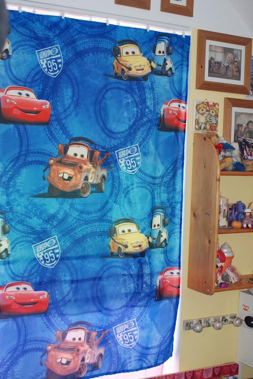 Gardine Kinderzimmer Cars : Disney Vorhänge Gardine Kinderzimmer Car Cars Auto GRATIS Handtuch