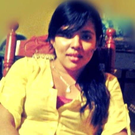 Adriana Yanez Photo 19