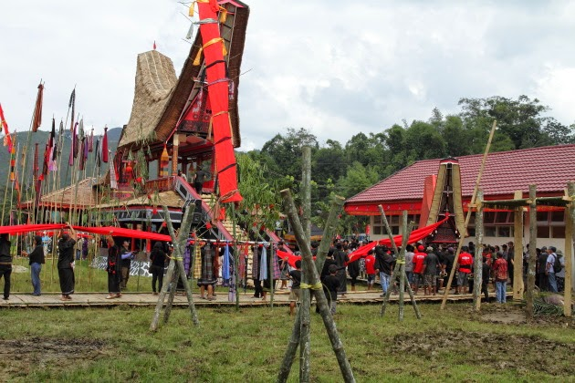 Tana Toraja Funeral ceremony is quite a sight