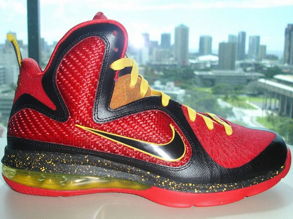 PE Spotlight Nike LeBron 9 Fairfax Away Player Exclusive