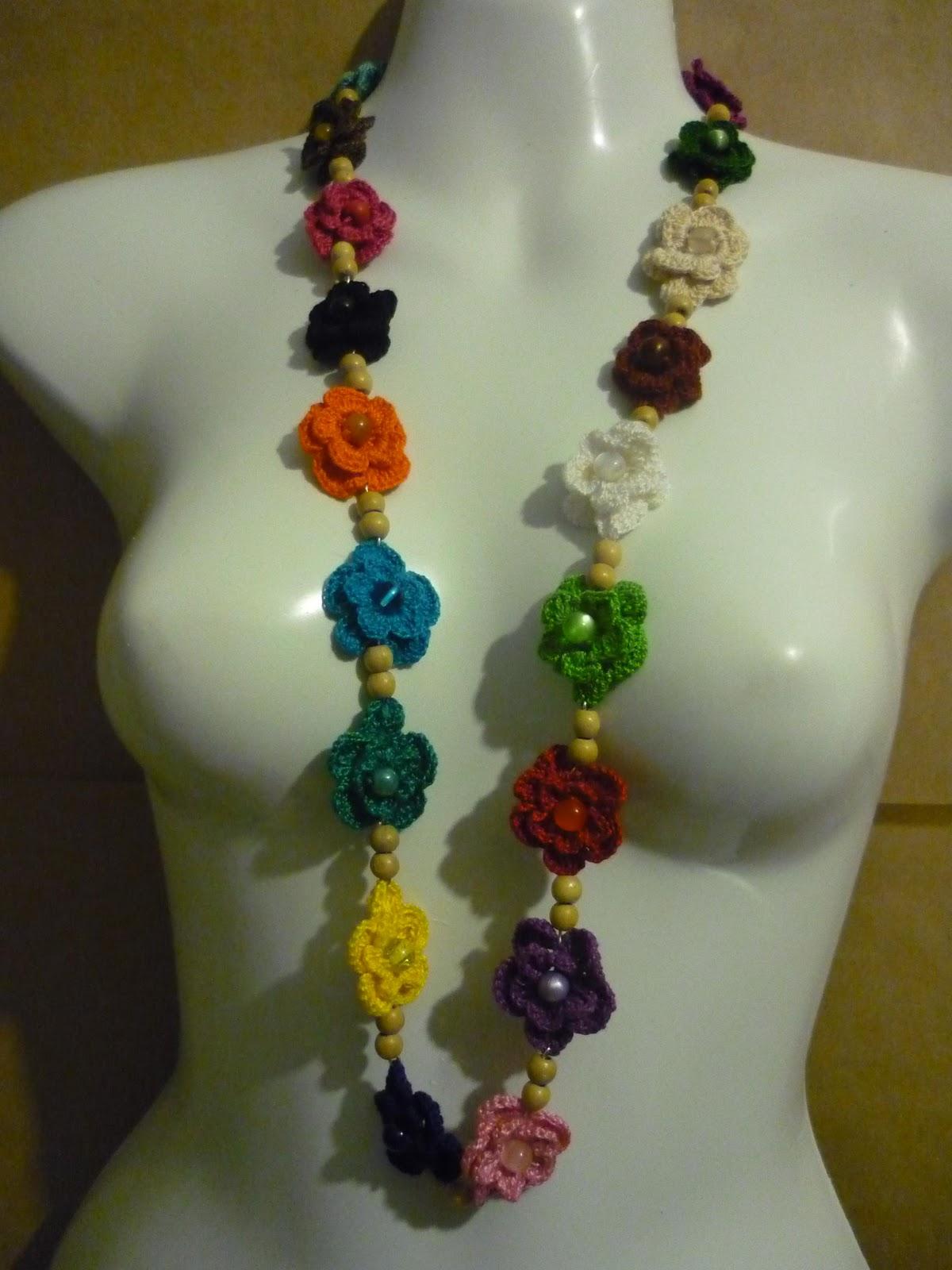 Artesan U00edas De La Ciudad  Collar De Flores Tejidas A Crochet