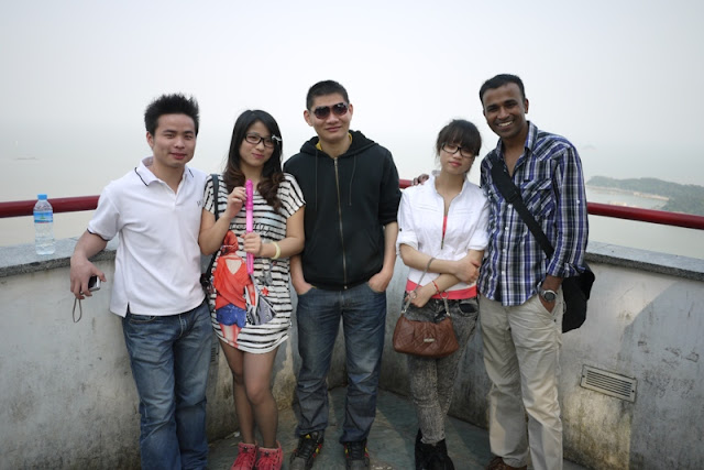 Five friends at Jingshan Park in Zhuhai