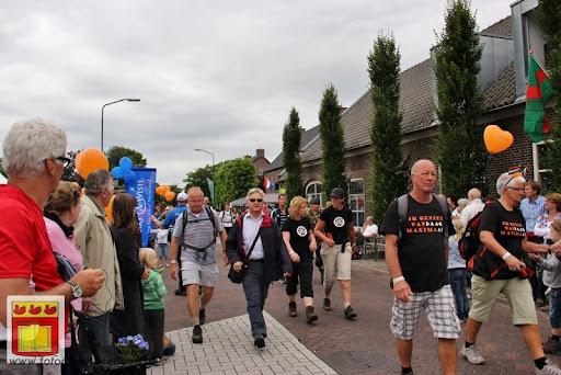 Vierdaagse van Nijmegen door Cuijk 20-07-2012 (19).JPG
