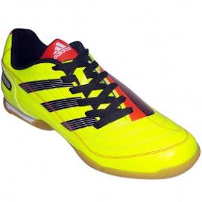 eb86db3a3e tênis de futsal adidas F50. A adidas é uma das melhores marcas quando se  fala em materiais esportivos