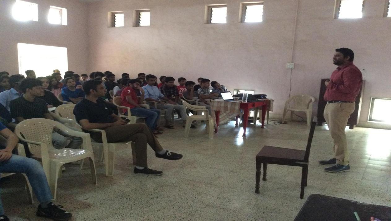 C:\Users\user\Downloads\khandala_pics\FYBScIT Khandala seminar (1).JPG