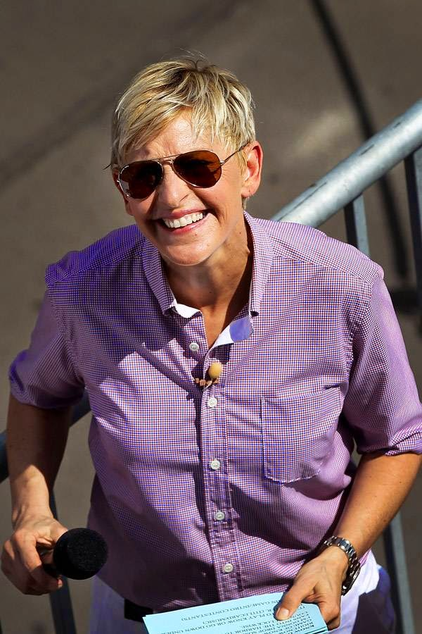 Ellen DeGeneres: Ellen DeGeneres came out of the closet and confessed that she was a lesbian on The Oprah Winfrey Show.