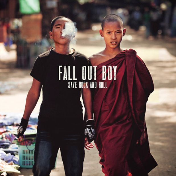 Capa do CD Fall Out Boy – Save Rock and Roll