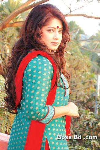 Bangladeshi Actress Moushumi Photo
