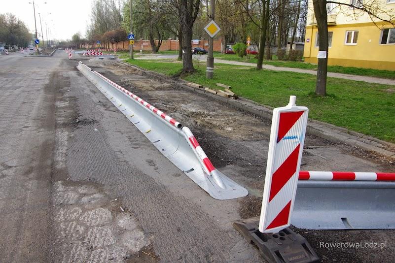 Na czas remontu wykonawca wystawił takie sprytne bariery