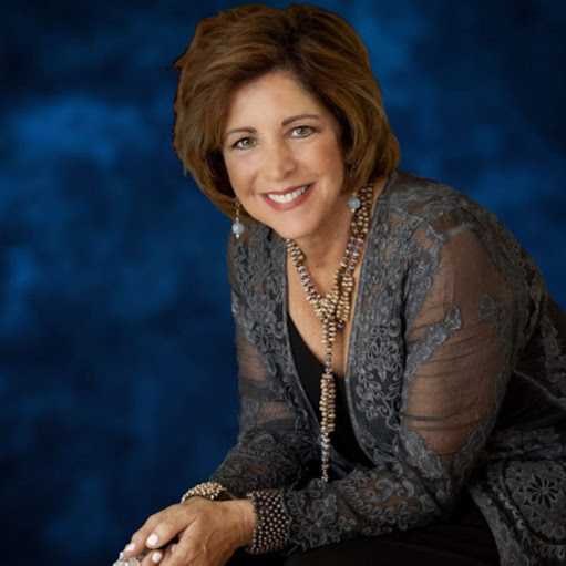 Carol Kahn Photo 15