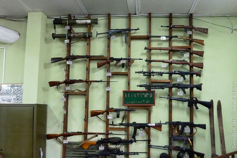Огромная коллекция оружия в музее Фаетон