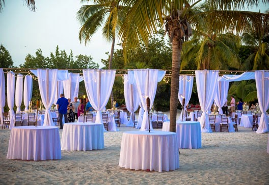 Beach wedding decorations for your reception