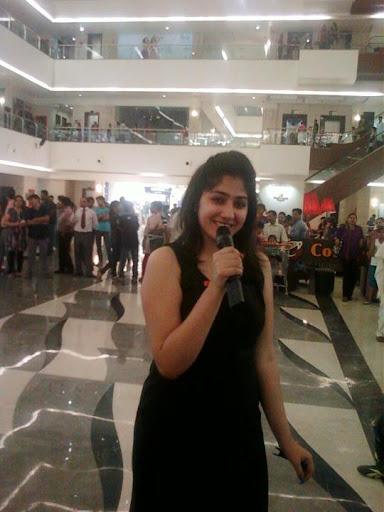Divya VAID  Anchor Female, Emcee Delhi ncr