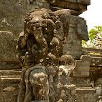 posąg w świątyni Ulu Watu