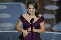 Natalie Portman ganha o Oscar de melhor atriz por 'Cisne negro'