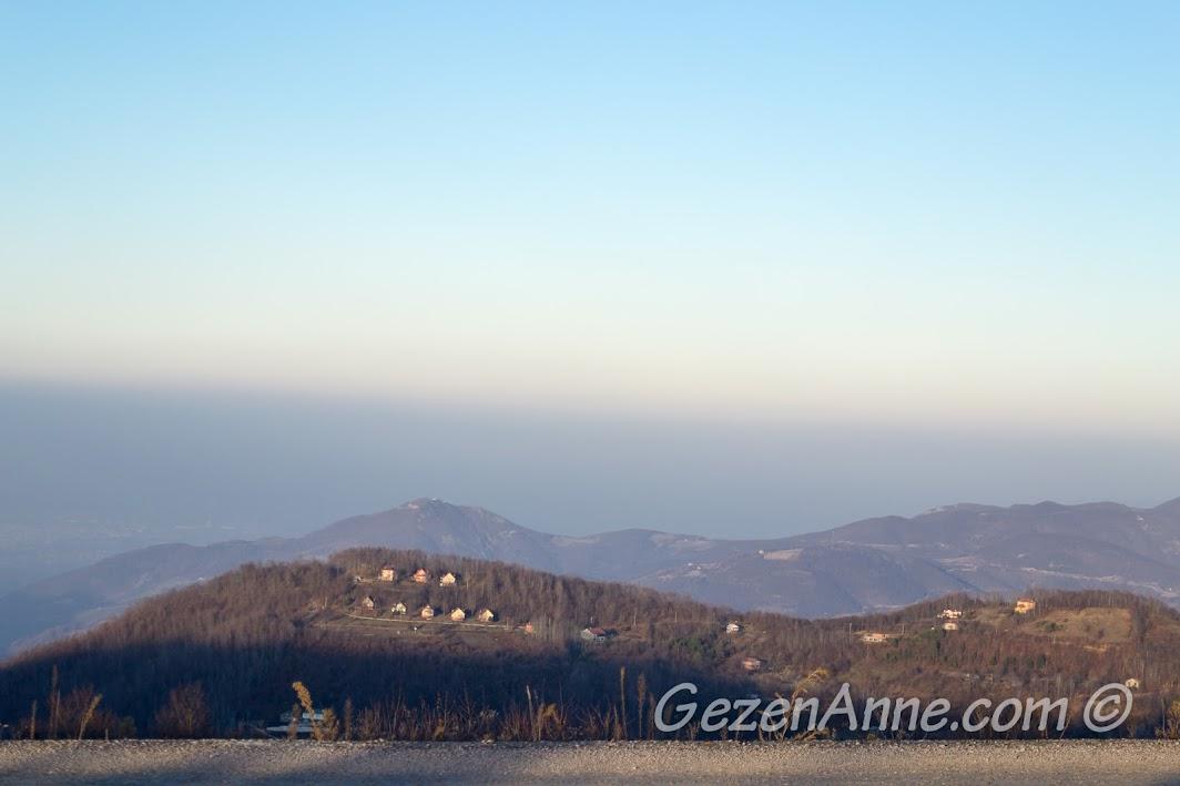 Aytepe'den karşı dağlar ve İzmit manzarası