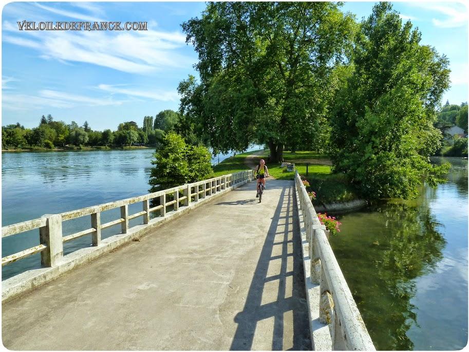 L'Ile du Berceau - E-guide balade circuit à vélo sur les Bords de Seine à Bois le Roi par veloiledefrance.com