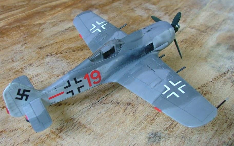 [Academy] Focke Wulf Fw-190A-8 DSCF3036