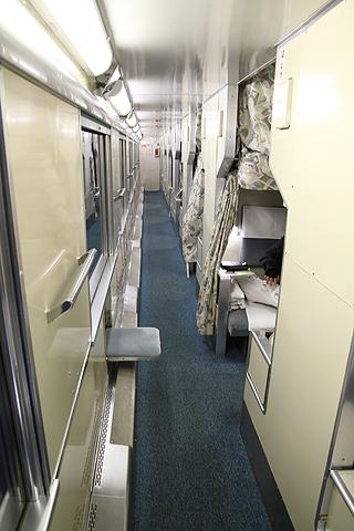 JR寝台特急「日本海」 4001レ B寝台 通路