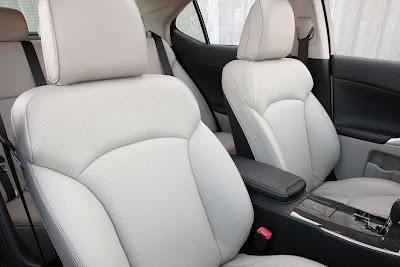 Lexus_IS_350_2011_05_1728x1152