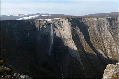 Salto del nacedero del río Nervión
