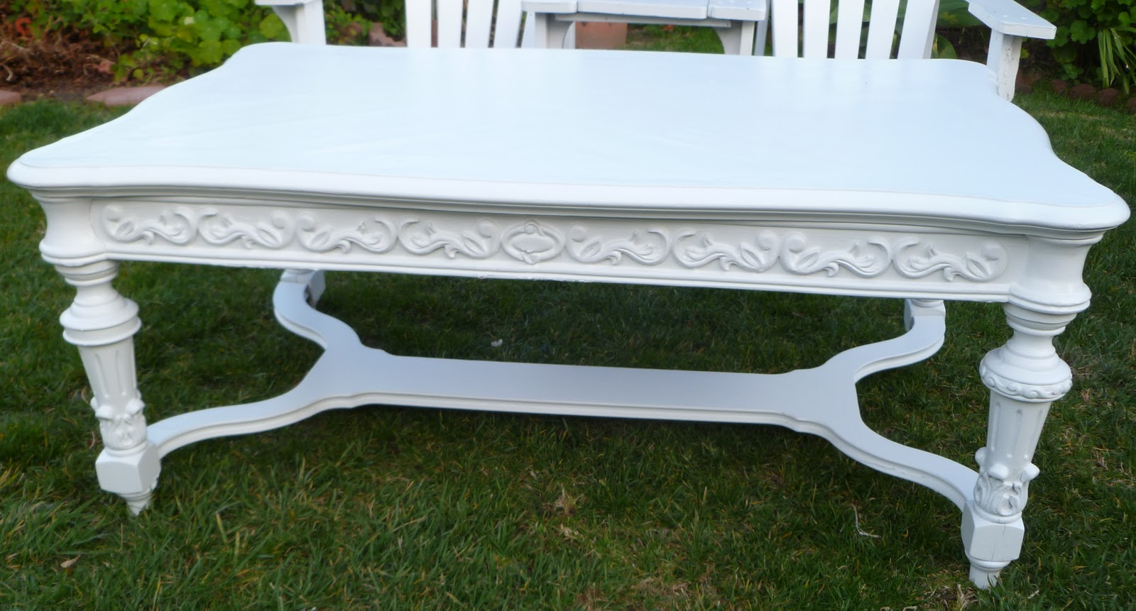 Shabby to chic treasures white ornate shabby chic coffee table white ornate shabby chic coffee table geotapseo Gallery