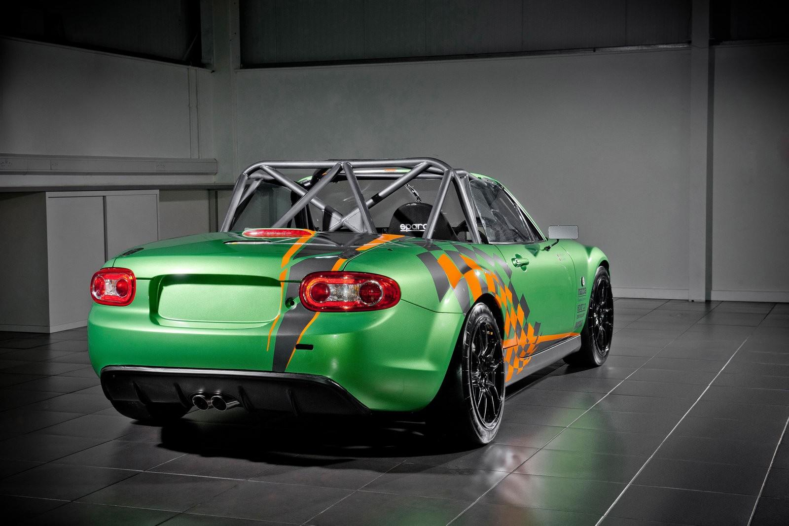 Maverik Corner Mx5 Mx5 Gt Race Car 2011