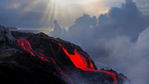 Heaven's Gate, Volcanoes National Park, Hawaii.jpg