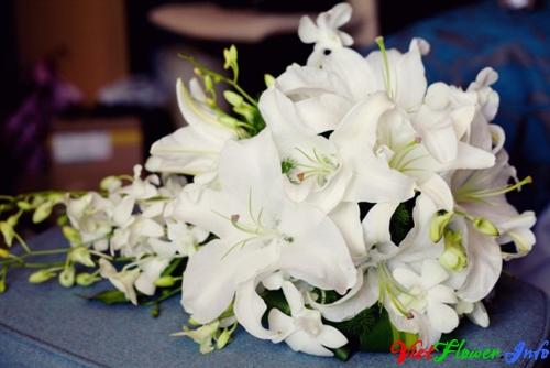 Bó hoa cưới Lily trắng