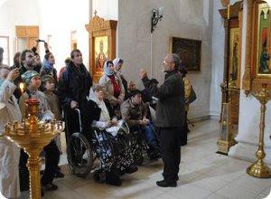"""Члены Тверского союза инвалидов """"Завет"""" совершили паломничество в Старицкий монастырь"""