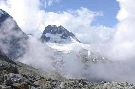 Le petit mont Collon depuis la moraine du glacier de Bertol