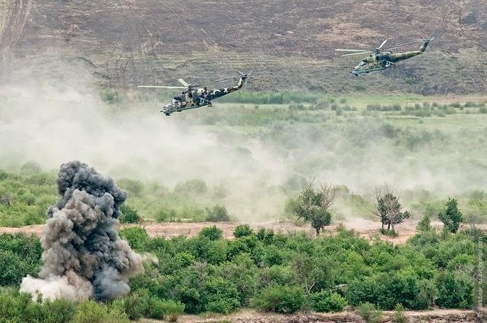 Operación Mjolnir - 18/05/2014 Russian_military_training_river_onon1