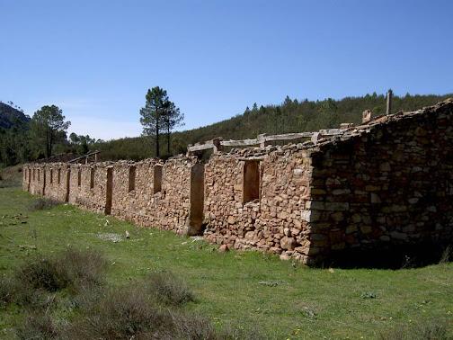 Ruinas del poblado minero (Fot. J.M. Sanchis, 2010)