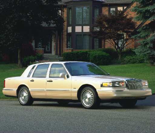 2011 Lincoln Town Car: Progressive Fashion