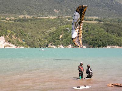 Week-end test Flysurfer-Deluxe Party 2/3 juillet Lac de Monteynard Deluxe_flysurfer_0054