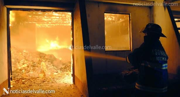 Incendio termina con antigua escuela musical