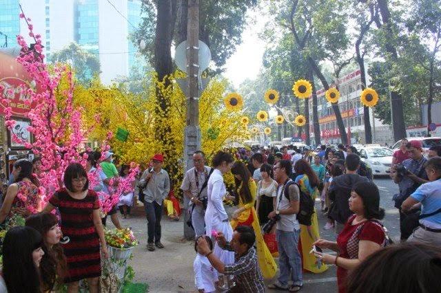 Tìm khung hình Tết đẹp cho anh em nhiếp ảnh gia Sài Gòn - 62955