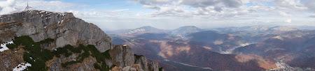Costila, Postavarul, Piatra Mare vazute de la Crucea Eroilor Neamului de pe Caraiman