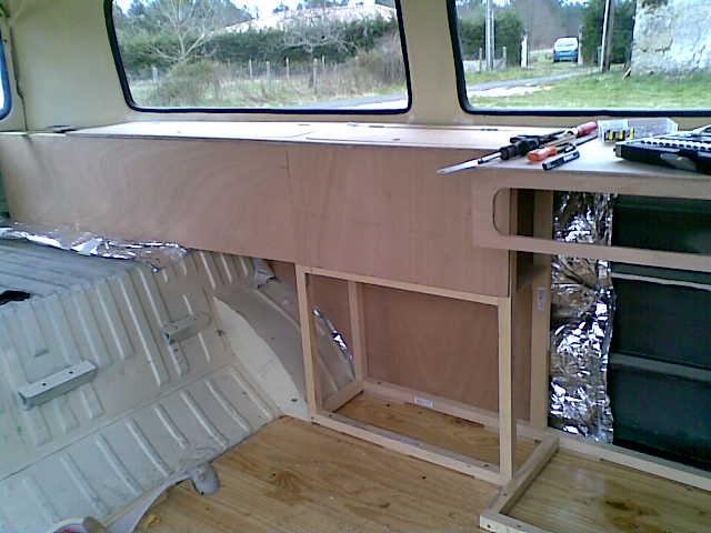 Vw afficher le sujet astuces de rangement for Caravane chambre 19 meubles