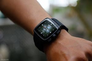 Omate TrueSmart - điện thoại trên cổ tay