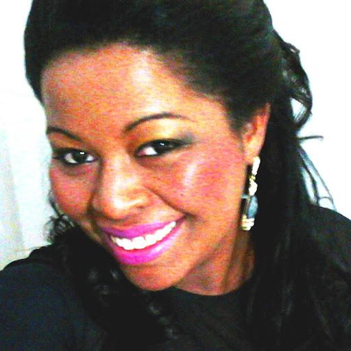 Silvia Souza Photo 28