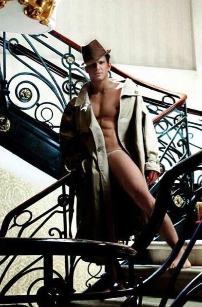 andar en boxers o de preferencia sin nada como lo demostro en desnudos