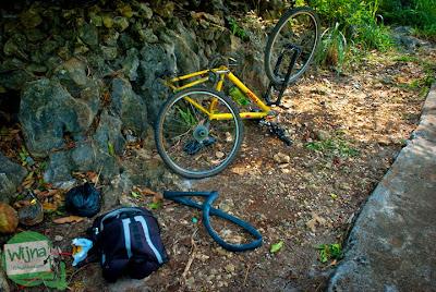 ban sepeda bocor saat perjalanan pulang dari pantai ngunggah, gunungkidul