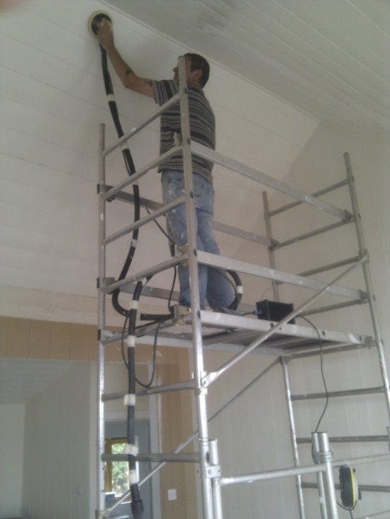 Interior dust free sanding from scaffold tower