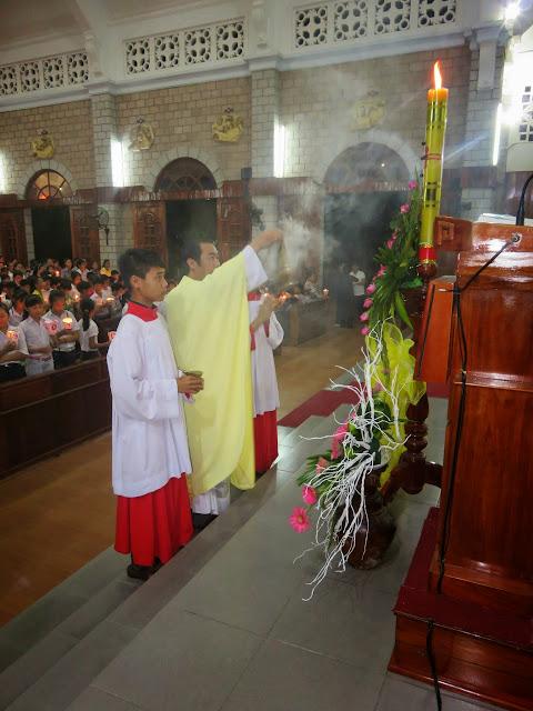 Tam Nhật Thánh tại Giáo xứ Bình Chính