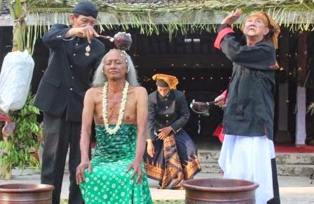 berita terkait perkawinan manusia dengan jin atau peri di ngawi
