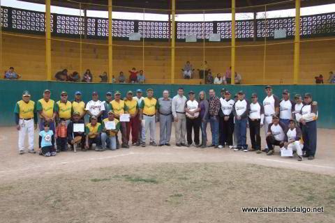 Inauguración del torneo de softbol de veteranos